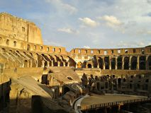 Inre av Colosseumen, Rome arkivbilder