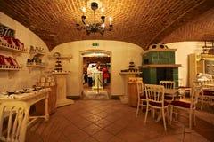 Inre av den österrikiska restaurangen. fotografering för bildbyråer