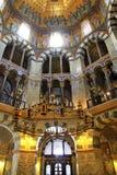 Inre av den Aachen domkyrkan, Tyskland Arkivbilder