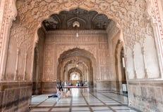 Inre av den Badshahi moskén, Lahore, Punjab, Pakistan Arkivfoto