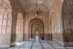 Inre av den Badshahi moskén, Lahore, Punjab, Pakistan Royaltyfri Bild