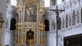 Inre av den berömda Sten Michaels Church i Munich, Tyskland lager videofilmer