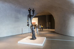 Inre av den breda moderna Art Museum Fotografering för Bildbyråer