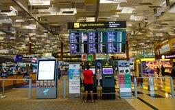 Inre av den Changi flygplatsen i Singapore Arkivbild