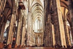 Inre av den Cologne domkyrkan royaltyfri fotografi