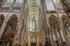Inre av den Cologne domkyrkan roman domkyrkakatolik Arkivbild