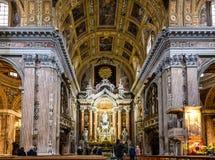 Inre av den Gesu Nuovo kyrkan i Naples, Italien arkivfoton
