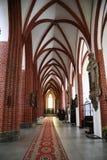 Inre av den gotiska kyrkan för St Elizabeth i Wroclaw Royaltyfria Foton
