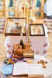 Inre av den härliga ortodoxa kyrkan Fotografering för Bildbyråer