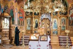 Inre av den härliga ortodoxa kyrkan Royaltyfri Fotografi