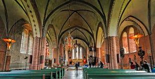 Inre av den helgonMary's kyrkan i Sigtuna Royaltyfri Foto