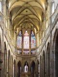 Inre av den helgonVitus domkyrkan, Prague Arkivfoton