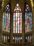 Inre av den helgonVitus domkyrkan, Prague Arkivbild