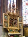 Inre av den helgonVitus domkyrkan, Prague Royaltyfri Fotografi