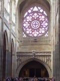 Inre av den helgonVitus domkyrkan, Prague Arkivbilder