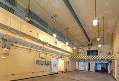Inre av den huvudsakliga korridoren i sovjetisk kärnvapenbunker Royaltyfria Bilder