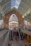 Inre av den lilla shoppinggallerian och marknaden spain valencia Arkivbilder