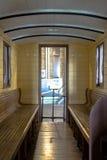 Inre av den lyxiga gamla drevvagnen Royaltyfri Bild