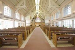 Inre av den moderna kyrkan arkivfoto