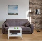 Inre av den moderna lägenheten i scandinavian stil i solig dag Royaltyfria Bilder