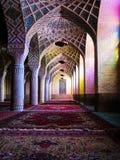 Inre av den Nasir olMolk moskén, Shiraz, Iran Royaltyfri Foto