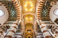 Inre av den Notre-Dame de laGarde basilikan i Marseille, Frankrike Royaltyfri Fotografi