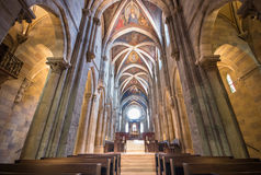 Inre av den Pannonhalma basilikan, Pannonhalma, Ungern royaltyfri foto