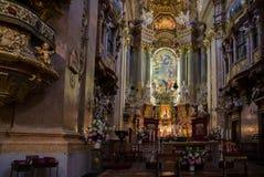 Inre av den Peterskirche St Peter kyrkan Wien Austr arkivfoton