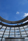 Inre av den Reichstag kupolen i Berlin royaltyfria bilder