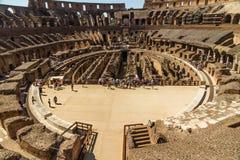 Inre av den Roman Colosseum eller Coliseumamfiteatern Royaltyfri Bild