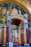 Inre av den roman kyrkan, Rome, Italien arkivbilder