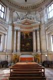 Inre av den San Giorgio Maggiore kyrkan på ön av samen Royaltyfri Foto