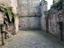 Inre av den Spofforth slotten fördärvar i Yorkshire England arkivfoto