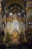 Inre av den St Peters kyrkan vienna arkivfoto