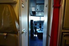 Inre av den tomma cockpitinre Arkivfoto
