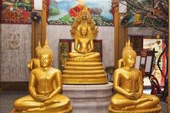 Inre av den Wat Chalong templet kallade också stora Chedi, Puhket - Thailand Royaltyfri Bild