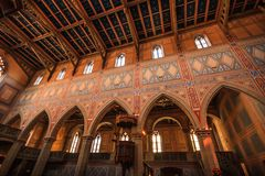 Inre av dengotiska kyrkan för protestant av St Laurence eller St Laurenzen Kirche, St Gallen, Schweiz arkivfoton