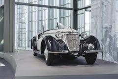 Inre av det Audi museet i Ingolstadt Royaltyfria Foton