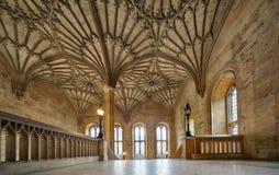 Inre av det Bodley tornet den christ kyrkaträdgården minnes- oxford uk kriger oxford universitetar england royaltyfria bilder
