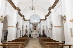 Inre av det kyrkliga Stet Peter i orgosolo Arkivfoto
