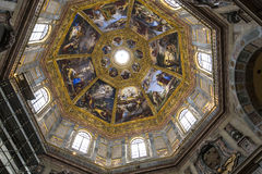 Inre av det Medici kapellet, Florence, Italien royaltyfri foto