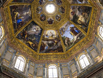 Inre av det Medici kapellet, Florence, Italien royaltyfri fotografi