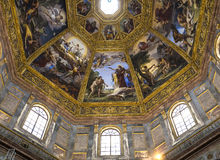 Inre av det Medici kapellet, Florence, Italien royaltyfria bilder