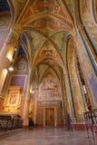 Inre av detgotiska Stet Peter och Paul Cathedral, Vysehr Arkivfoto