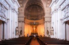 Inre av Eglise Sainte-Croix i Carouge den gamla staden, Genève, strömbrytare arkivbilder