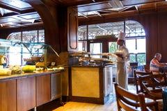 Inre av en italiensk restaurang i den egyptiska semesterorten Arkivbild