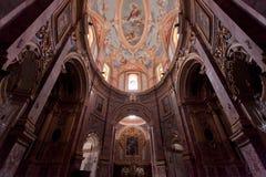 Inre av en kyrka i Mdina Arkivfoton
