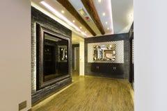 Inre av en lyxig korridor fotografering för bildbyråer