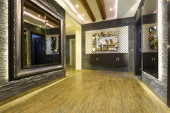 Inre av en lyxig korridor Royaltyfria Foton