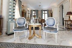 Inre av en lyxig villa Royaltyfria Foton